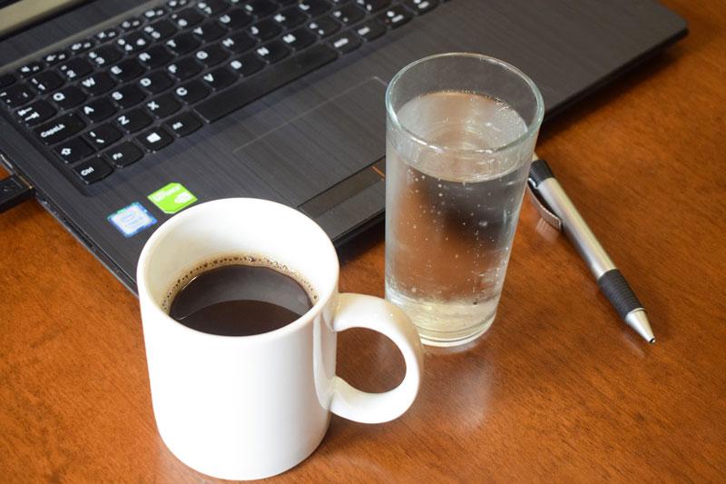 cuánto beber trabajando