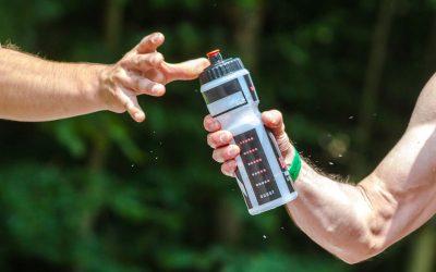 Agua en el gimnasio, la importancia de la hidratación en el deporte